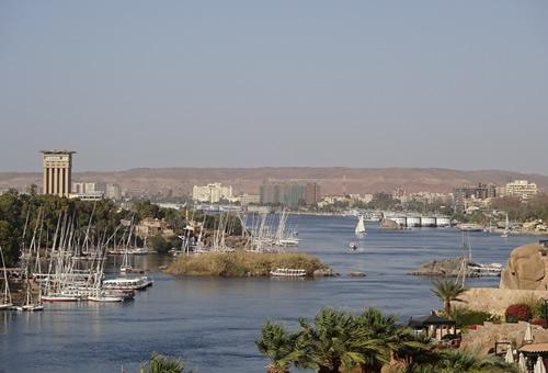 カイロ発 エジプト4都市周遊4泊5日(カイロ、ルクソール、アブシンベル、アスワン)